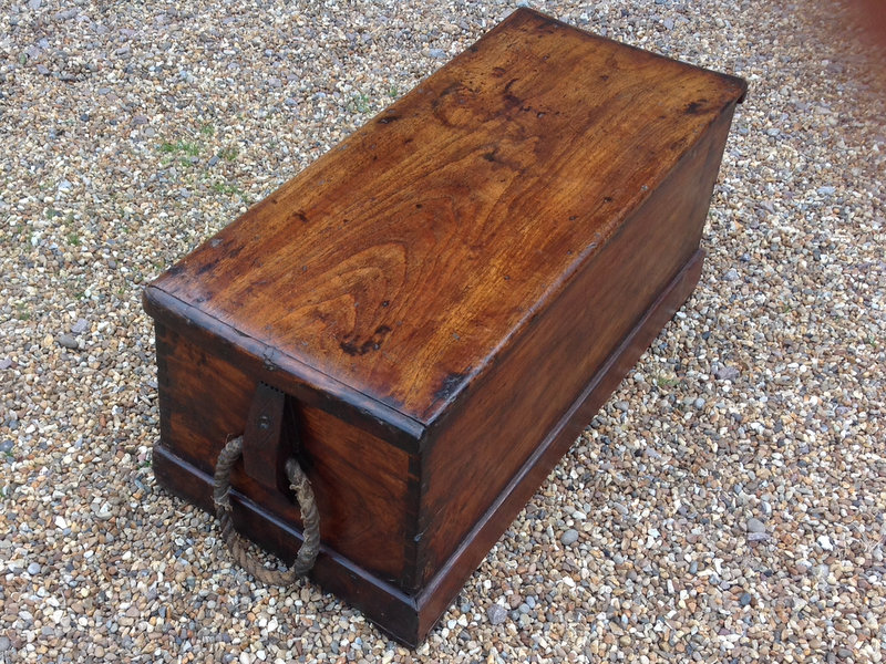 1-17th-century-sloped-sided-camphor-wood-sea-chest-with-original-rope-handles