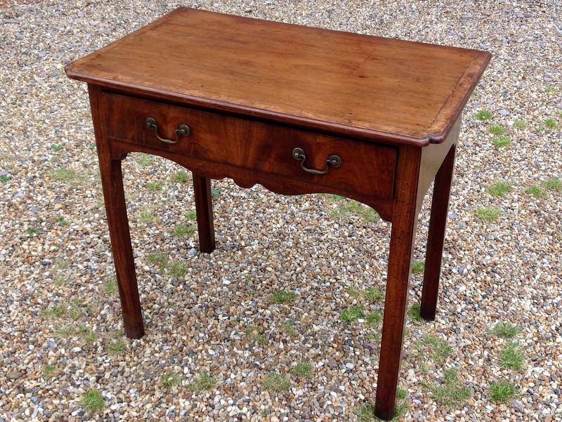 1-Antique-Mahogany-lamp-table