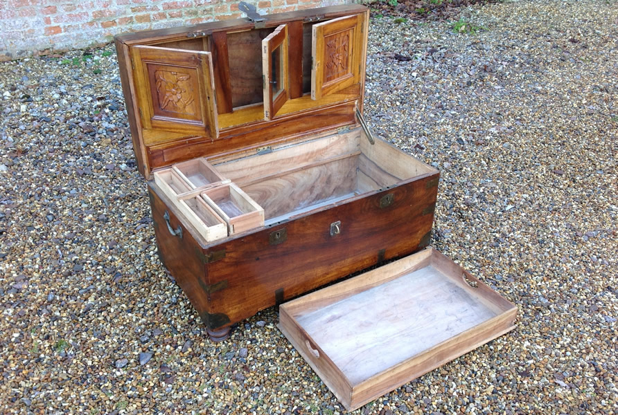 19th century Camphor Wood Campaign Chest