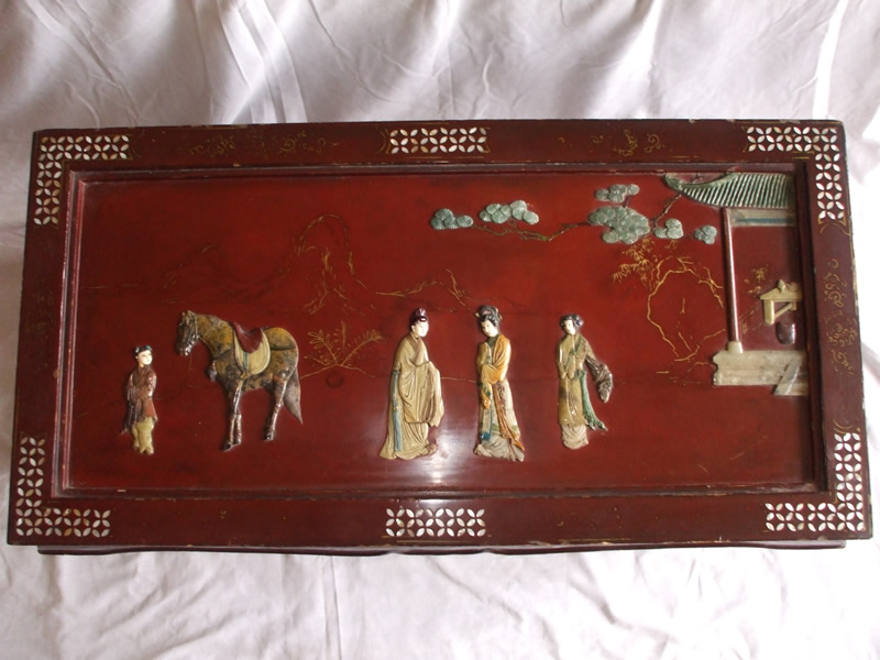20th-century-red-lacquer-chinese-low-table-top