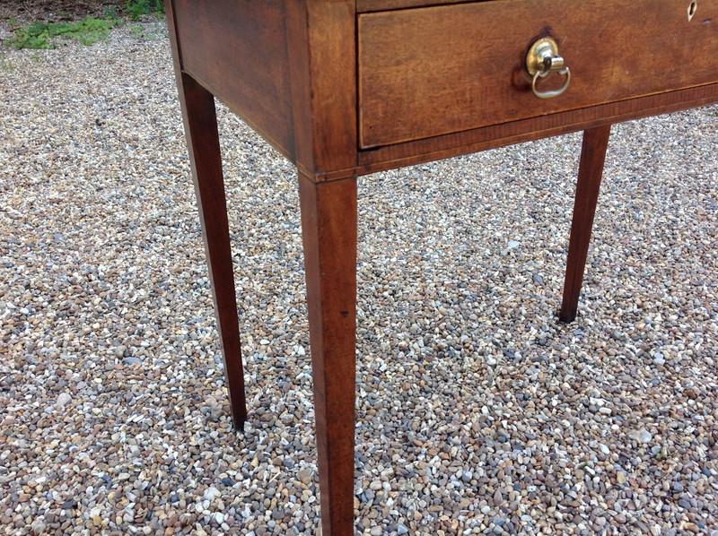 Georgian mahogany side table - drawer