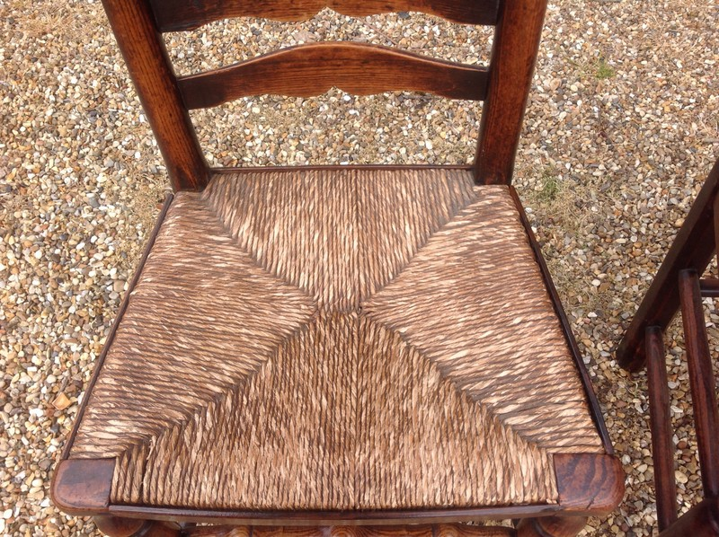 1-Pair-of-18th-century-antique-ladderback-chairs-seat