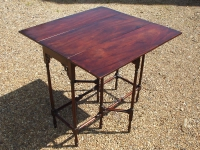 18th-century-mahogany-spider-leg-table