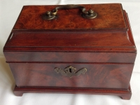1-Fine-18th-century-tea-caddy