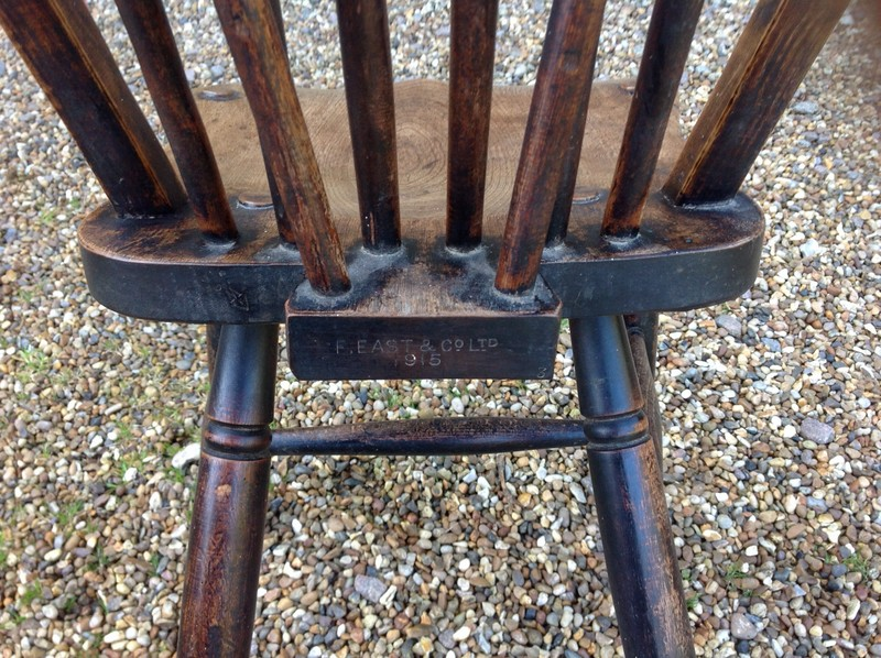 1-Two-antique-Windsor-chairs-maker